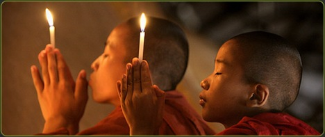 buddhists_praying